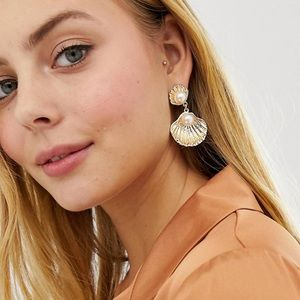 ASOS GOLD OYSTER FAUX PEARL EARRING